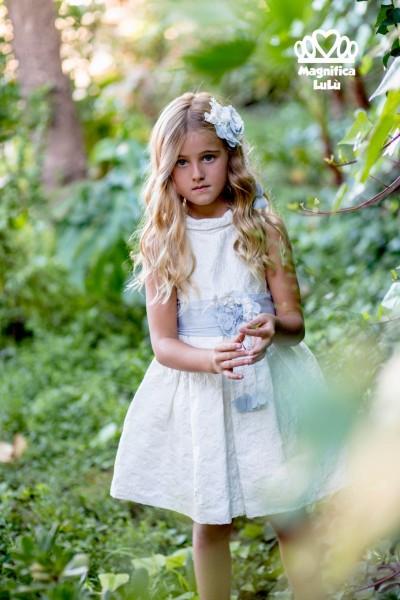vestido blanco niña lazo azul