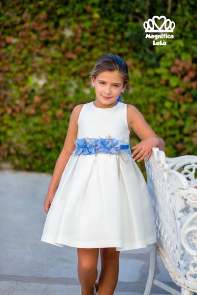 vestido blanco lazo azul flores